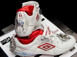 бутсы Nike с бриллиантами и сапфирами $218000