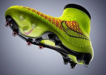 14754222 Nike кардинально меняет представление о том, как должны выглядеть  современные футбольные бутсы
