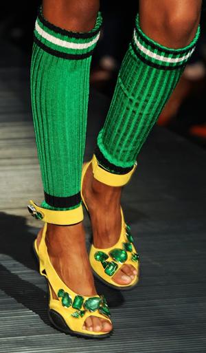 женские туфельки на мужском члене